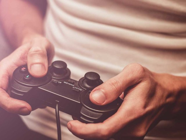 Video game marketing: breaking the stalemate
